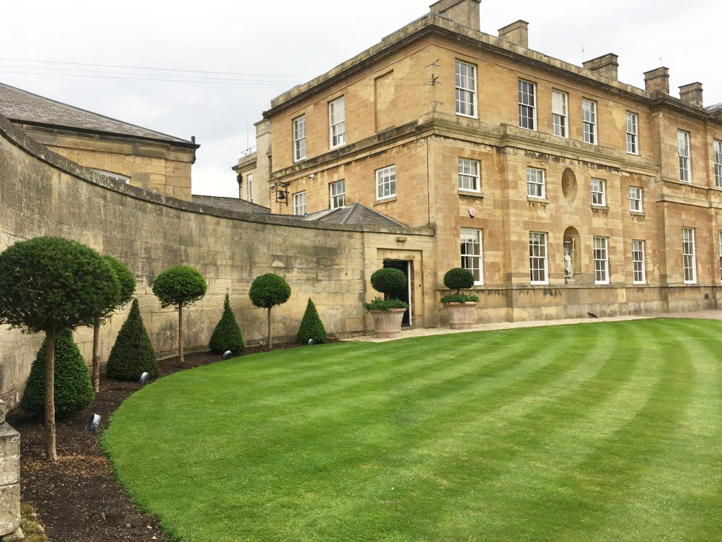 Taxus topiary supply for Bowcliffe Hall