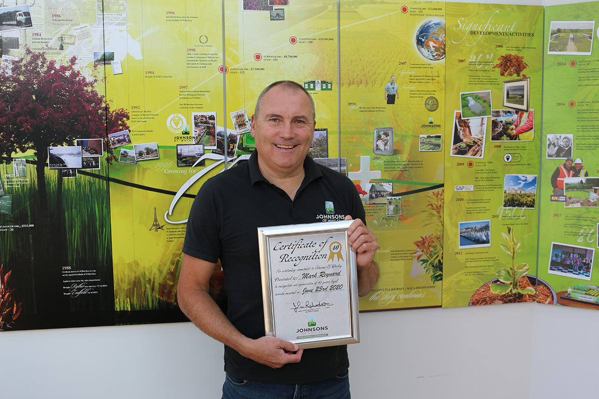 40 Year's service for Retail Sales Manager, Mark Reynard